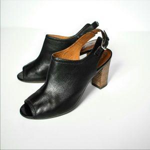 Clarks Deloria Gia Slingback Sandal Heel Black